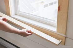Farmhouse Window Trim Learn how to bulk up the trim around your windows for a beautiful farmhouse look! Such an easy and inexpensive upgrade! Craftsman Window Trim, Interior Window Trim, Craftsman Style, Farmhouse Trim, Farmhouse Windows, Farmhouse Interior, Farmhouse Ideas, Rustic Farmhouse, Modern Interior