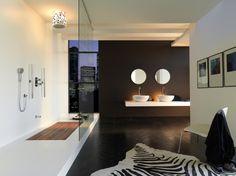 Dit kun je ook doen als je slaapkamer en badkamer in één ruimte maakt. Kwijl.....