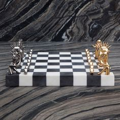Dichotomy Chess Set by Kelly Wearstler Modern Chess Set, Luxury Chess Sets, Tufted Chaise Lounge, Baby Foot, Artwork Design, Clay Art, Luxury Furniture, Decoration, Home Gifts