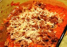 Hamburger & couscous-Cream of mushroom instead of tomato sauce. Cheddar cheese between layers. Top with mozzarella Cheese Potato Casserole, Casserole Dishes, Casserole Recipes, Vegetarian Main Meals, Ground Chicken, Creamed Mushrooms, Couscous, Entrees, Side Dishes