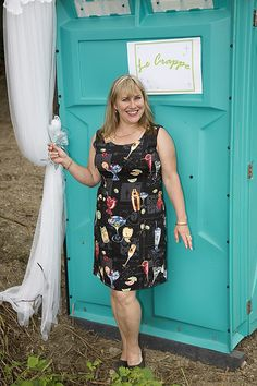 how to make a wedding porta potty less gross and more awesome - lolz!