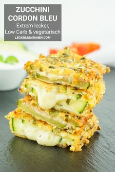 Zucchini Cordon Bleu – Vegetarisches oder klassisches Low Carb Rezept This cordon bleu is one of the best low carb zucchini slimming recipes. Here you will find the complete guide to the healthy diet dish, which can also be vegetarian. Easy Dinner Recipes, Healthy Dinner Recipes, Low Carb Recipes, Diet Recipes, Vegetarian Recipes, Easy Meals, Zucchini Cordon Bleu, Dieta Atkins, Menu Dieta