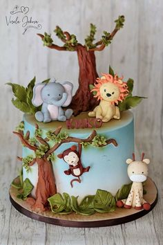 Jungle Birthday Cakes, Jungle Theme Cakes, Boys 1st Birthday Cake, Animal Birthday Cakes, Safari Cakes, Girl Birthday Themes, Cupcake Cake Designs, Food Art For Kids, Barbie Cake