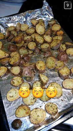 Cette recette de pomme de terre au four à l'ail est une TUERIE !