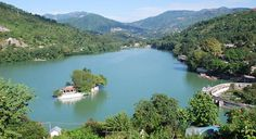 You can make the trip to Bhimtal a memorable experience by taking assistance of professional holiday package providers such as Magic Holidays.