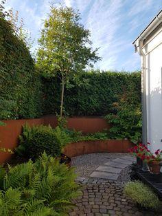 Åter från sommarstugan- test av MyrNIX i samarbete med Terge Landscape Design, Garden Design, Raised Flower Beds, Dry Creek, Lounge Areas, Backyard Landscaping, Garden Inspiration, Outdoor Gardens, Sidewalk