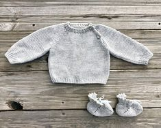 This baby clothing set is made of yarn Supermix by Italian manufactory Pecci 1884. 30% Alpaca baby and 70% Merino wool extrafine. Its one of the best mix for baby wear and accessories! Perfect gift for someone you love! Alpaca is a soft, silky and durable fibre with unique thermal properties