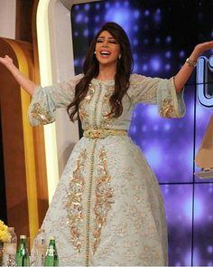 Offre spéciale pour toutes les femmes, demoiselles et future mariées qui veulent acheter sur mesure ou prêt à porter un excellent caftan Ma...
