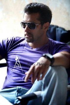Salman Khan New Photo Shoot Bollywood Photos, Bollywood Stars, Bollywood Celebrities, Salman Khan Photo, Shahrukh Khan, Salman Khan Wallpapers, National Film Awards, Gorgeous Men, Actors & Actresses