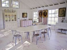 Sweet South Cottage Shop | Painted and stenciled wood floor featuring Old White, Pure White and Antoinette Chalk Paint® decorative paint by Annie Sloan and Large Ribbon Damask Stencil by Royal Design Studio.