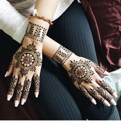 Designed and drawn by yours truly *** 13 year old self-taught Henna artist (Amateur)