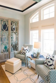 Love the pattern on the chairs and the pillows in this seating area in a home designed Lindy Allen of Four Chairs Furniture. Photo by Jessie Alexis Photography (via House of Turquoise). Living Room Chairs, Home Living Room, Living Room Designs, Living Room Furniture, Living Room Decor, Living Spaces, House Of Turquoise, Living Room Turquoise, Interior Design