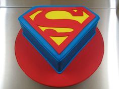 Superman Cake by Belle Maison Cakes (Brisbane Australia), via Flickr