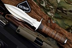 CFK USA Custom Handmade D2 Vietnam Commemorative US Army Fighter Dagger Knife…