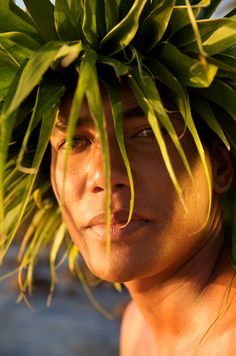 Welcome to the Islands of Tahiti. Samoan People, Polynesian People, Polynesian Dance, Polynesian Culture, Old Lahaina Luau, Hawaiian Men, Hula Dancers, Hula Girl, Island Girl