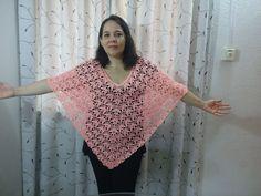 poncho o capa tejido en estambre delgado y gancho número 3 puntada en crochet de hojas.