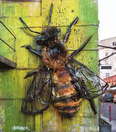 The latest street art creations from the Big Trash Animals project by Portuguese artist Artur Bordalo, aka Bordalo II, who continues to transform garbage and 3d Street Art, Murals Street Art, Best Street Art, Amazing Street Art, Street Art Graffiti, Street Artists, Amazing Art, Graffiti Kunst, Graffiti Murals
