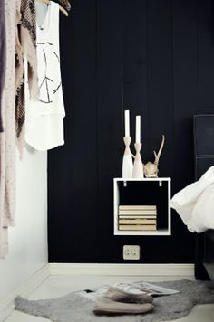 Via Trettien | Black and White | Bedroom | Box Nightstand