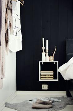Via Trettien | Black and White | Bedroom | Box Nightstand