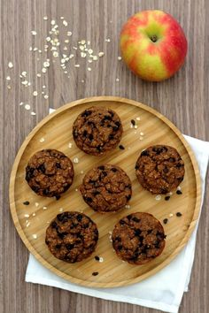 Oatmeal and chocolate muffins (no added sugar) - lunch Vegetarian Recipes, Cooking Recipes, Cake Factory, Ww Desserts, Biscuit Cookies, Chocolate Muffins, Healthy Snacks, Dessert Healthy, Oatmeal