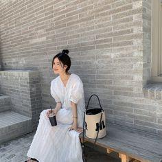 Korean Fashion Summer Street Styles, Korean Photography, Sweet Style, My Style, Ulzzang Korean Girl, Cute Korean, Asian Style, Travel Style, White Dress