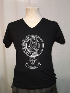 Black cotton ladies top with Lindsay clan crest, large
