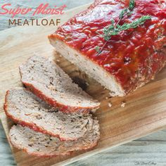 Birch Cottage shares the secret to moist meatloaf with this Super Moist Meatloaf recipe - a family favorite that's simple to make and delicious! Sauce Recipes, Meat Recipes, Food Processor Recipes, Cooking Recipes, Recipies, Dinner Recipes, Hamburger Recipes, Dinner Dishes, Quick Recipes