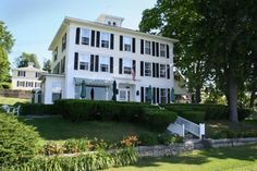 Welcome to the Hopkins Inn, an enchanting 19th century country inn overlooking Lake Waramaug in Connecticut's Litchfield Hills. Would be a nice weekend getaway.