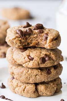 Soft and chewy paleo and vegan chocolate chip cookies that can be sweetened with dates or pure maple syrup. Super healthy and kid friendly!