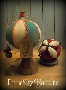 Vintage Style Christmas Pincushion and Amish Puzzle Ball PinKeeps Prim*by*Nature