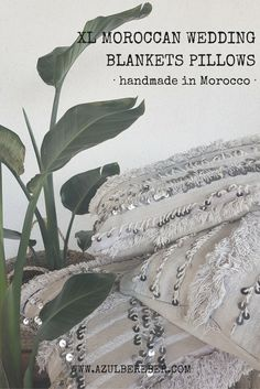 Beautiful moroccan wedding blanket pillow created from vintage wedding blankets. Handmade in Morocco. No two pillows are exactly the same, they are of a kind pieces perfect for the bohemian modern home. boho chic style, nordic home inspiration, boheme decor, jungalow style, new york style, store online, morocco, marrakech, wabisabi style, slow fashion, ethnic style, boho luxe, ethic fashion, almohadón etnico, estilo boho bohemio