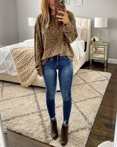 Tons of simple and casual Fall outfit ideas with links to every item I'm wearing! Fall Fashion Outfits, Casual Fall Outfits, Cute Outfits, Work Outfits, Winter Outfits, Teacher Outfits, Fashion 101, Work Fashion, Fashion Clothes