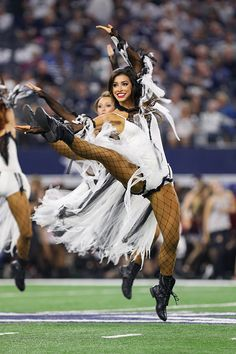 The Dallas Cowboys Cheerleaders perform a Halloween themed halftime routine during the NFL game between the Philadelphia Eagles and Dallas Cowboys on October 30 at AT&T Stadium in Arlington, TX. Get premium, high resolution news photos at Getty Images Texas Cheerleaders, Philadelphia Eagles Cheerleaders, Cheer Outfits, Football Outfits, Football Clothing, High School Cheerleading, Cheerleading Hair, Dallas Cowboys Funny, Cheerleader Costume