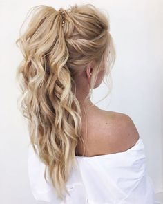 DIY Ponytail Ideas You're Totally Going to Want to 2019 Adorable Ponytail Hairstyles; Classic Ponytail For Long Hair; Dutch Braids To A High Pony;High Wavy Pony For Shoulder Length Hair Prom Hair Updo, Homecoming Hairstyles, Ponytail Wedding Hair, Bridesmaid Hair Ponytail, Hair Wedding, Wedding Pony Tail, Bridesmaid Hair Straight, Bouffant Hair, Wedding Braids