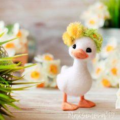 Made to order - Felted Duck : Needle Felting Animal Baby Animals Super Cute, Cute Stuffed Animals, Cute Little Animals, Cute Funny Animals, Needle Felted Animals, Felt Animals, Needle Felting, Clay Crafts, Felt Crafts