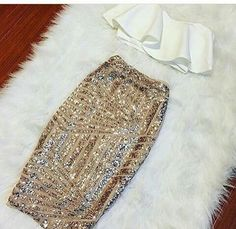 Fashionable High Quality Design clothing for women that highlights soft vibrant fabrics with a great fit and quality. Stylish trendy affordable dresses for women. Crop Top Outfits, Mode Outfits, Skirt Outfits, Sequin Pencil Skirt, Gold Sequin Skirt, Sparkle Skirt, Gold Sequins, Mode Ootd, Affordable Dresses