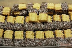 Kókuszos darálós sütemény   TopReceptek.hu Graham Crackers, Holiday Cookies, Winter Food, Desert Recipes, Deserts, Food And Drink, Baking, Cake, Ethnic Recipes