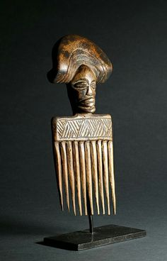 Africa | Comb from the Chokwe people of Angola | Wood | Late 20th century