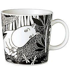 Moomintroll ( Swedish: Mumintrollet, Finnish: Muumipeikko ) Also known as just Moomin. Branded Mugs, Moomin Mugs, Tove Jansson, Small Paintings, Marimekko, Daydream, Tea Pots, Cool Stuff, Tableware