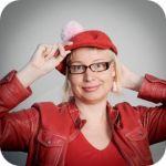 Pauliina Mäkelä, Kinda Oy    Pauliina Mäkelä on #Kinda Oy:n kouluttaja ja Suomen yhteisöllisen median kiltteyden lähettiläs. Hän toimii erilaisten verkostojen aktiivisena jäsenenä, nettikätilönä ja -fasilitaattorina sekä järjestää vapaaehtoisvoimin erilaisia tapahtumia, kuten #taskuneuloosi ja #SomeTime. Hän innostaa kokeilemaan uusia toimintatapoja ja -menetelmiä. Hän on tällä hetkellä kiinnostunut robotisaatiosta.    #dcl2013 Ronald Mcdonald, Learning, Digital, Fictional Characters, Studying, Teaching, Fantasy Characters, Onderwijs