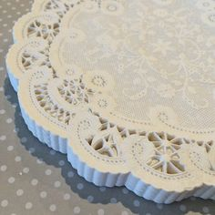50 French Lace Round Paper Doilies  6 inch white by isakayboutique