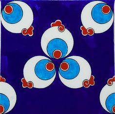 "One of the most popular patterns of Turkish tiles, ""Çintemani"". Tile from İznik.."