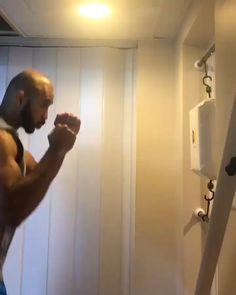 Self Defense Martial Arts, Martial Arts Training, Boxing Training, Boxing Workout Routine, Wake Up Workout, Jiu Jitsu Videos, Home Made Gym, Online Workout Videos, Boxing Videos