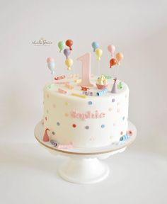 Sophies Geburtstag – Sophie 's birthday – – cakeideas 1 Year Old Birthday Cake, 1st Birthday Cake For Girls, Twin Birthday Cakes, 1st Birthday Cakes, Pink Birthday, Bolo Sofia, Simple First Birthday, Bolo Cake, Girl Cakes