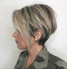 Long Messy Ash Blonde Pixie - 100 Mind-Blowing Short Hairstyles for Fine Hair - The Trending Hairstyle - Page 43 Pixie Haircut For Thick Hair, Short Hairstyles For Thick Hair, Short Straight Hair, Short Hair Cuts, Pixie Haircuts, Layered Haircuts, Edgy Hairstyles, Hairstyle Short, Long Haircuts