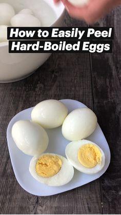 Making Hard Boiled Eggs, Hard Boiling Eggs, Hard Boiled Eggs Recipe, Easy Peel Boiled Eggs, Boiled Egg Diet, Egg Recipes, Cooking Recipes, Cooking Eggs, Healthy Snacks