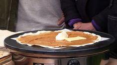 Møsbrømlefse er ekte «Sailten-kost». Det er dette alle fra Salten reiser hjem for å spise. Møsbrømlefsa er en stor, tynn lefse som smøres med en blanding av søt brunost, hvetemel, sukker og melk. Dessuten har man på seterrømme og smør før lefsa brettes sammen og stekes på takke.