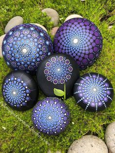 Your place to buy and sell all things handmade - Sabine Reuter - Your place to buy and sell all things handmade Hand Painted Mandala Stone Rock Painting Patterns, Dot Art Painting, Rock Painting Designs, Pebble Painting, Pebble Art, Stone Painting, Mandala Design, Mandala Art, Mandala Painting