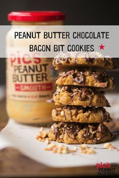 Peanut butter and bacon in a cookie. Find the recipe on the link! Creamy Peanut Butter, Peanut Butter Cookies, Chocolate Peanut Butter, Coconut Sugar, Coconut Flour, Weird Food, Crazy Food, Whole Eggs, Bacon Bits