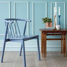 Blågrønne Prekestolen FR1412 gjør seg fantastisk godt på dette panelet synes vi! Håper dere har hatt en flott helg!☀️ #fargerike #åretsfarge2014 #prekestolen #søndagsro